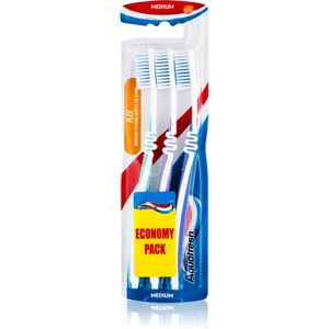 Aquafresh Flex medium fogkefék light green, light purple, blue 3 db