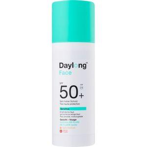 Daylong Sensitive tonizáló napozó folyadék SPF 50+ árnyalat Light-Medium 50 ml